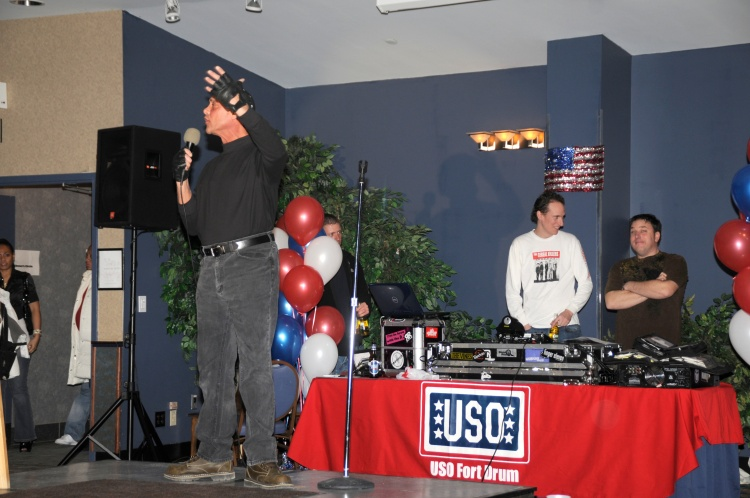Comedian Dan Liberto cracks 'em up during dinner (USO Photo by Jason B. Cutshaw)