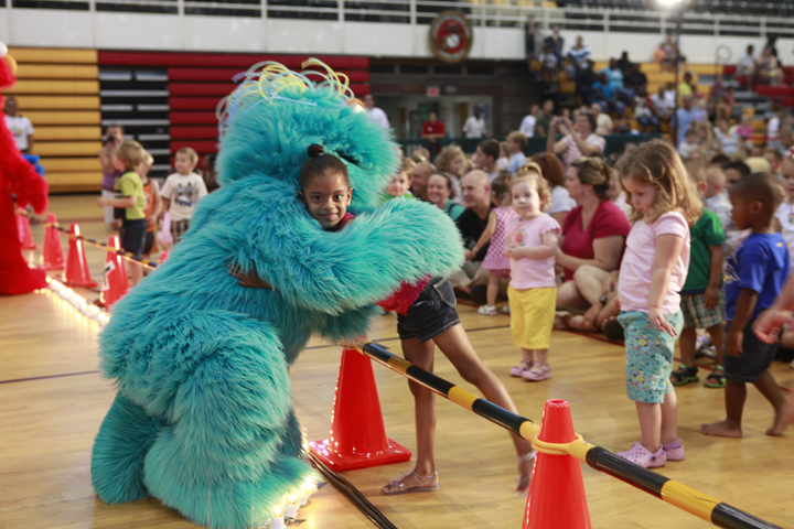 Camp Lejeune Welcomes Sesame Street! · United Service ...