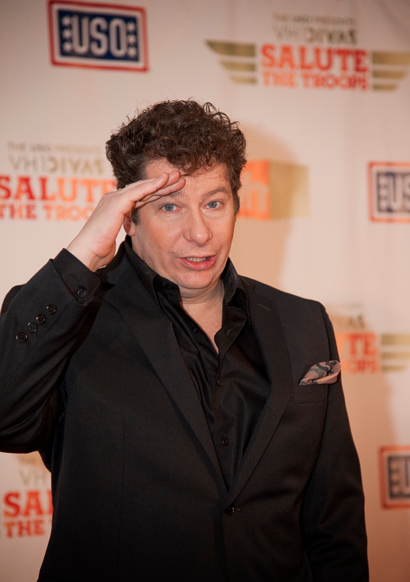 """""""VH1 Divas Salute The Troops"""", partner with the USO"""