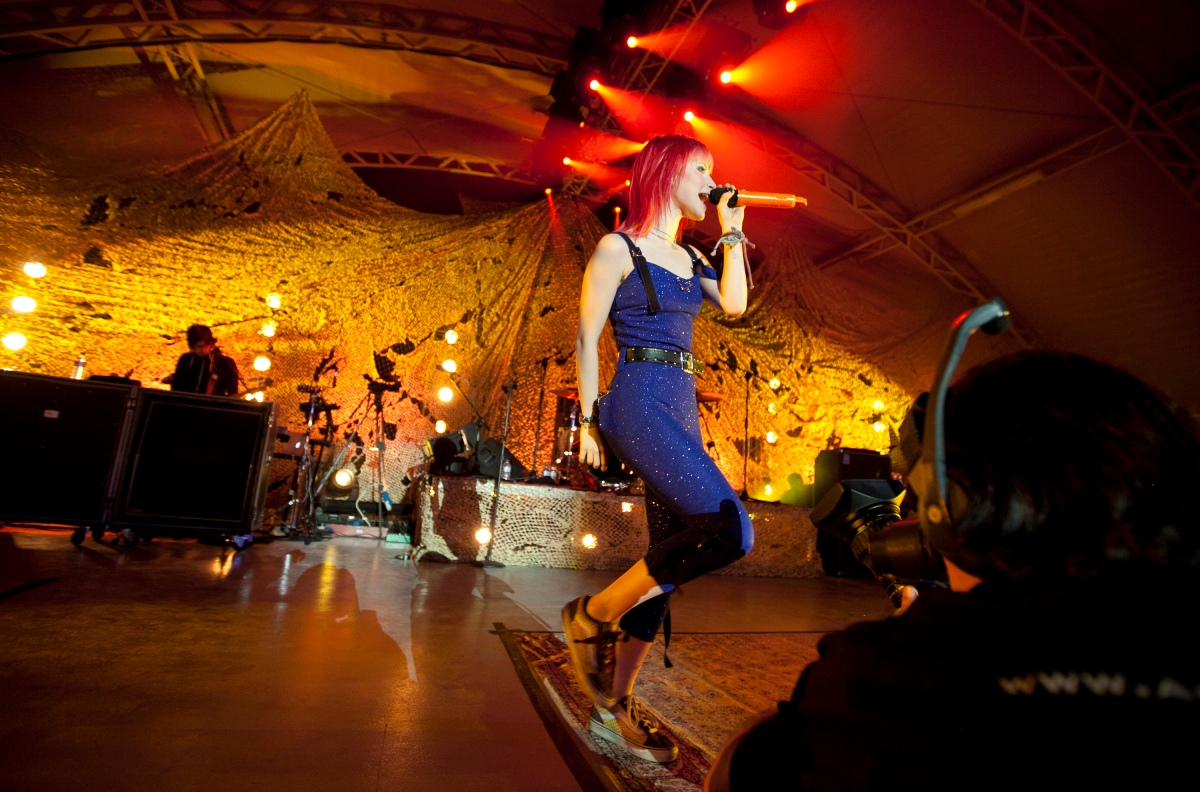 Paramore performs for troops in Kuwait.
