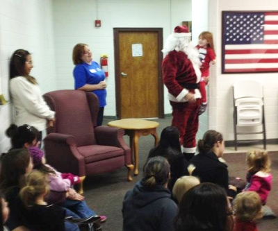 A special guest at USO Fort Hood's Story Time. USO photo
