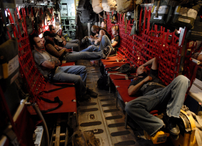 The band catches a break between shows on their 2006 USO Tour