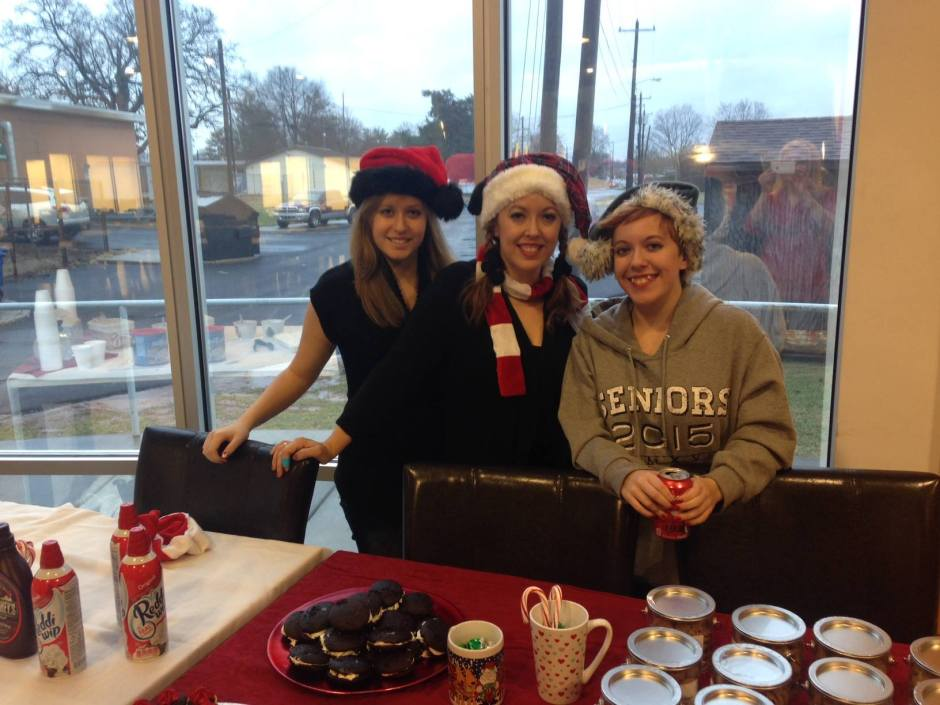 Volunteers at USO Fort Campbell serve up holiday cheer on Christmas Eve. USO photo
