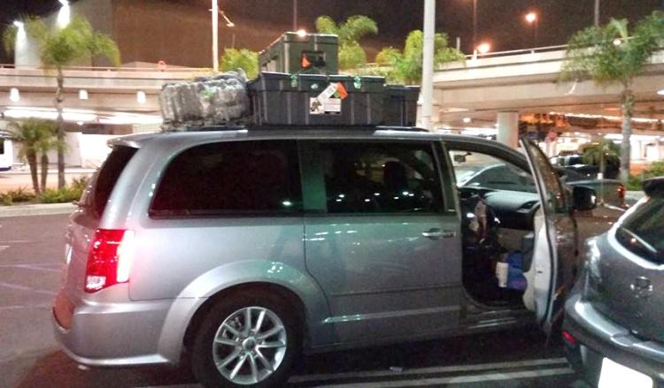 USO volunteers and troops helped load up the Strangways' rental van. Courtesy photo