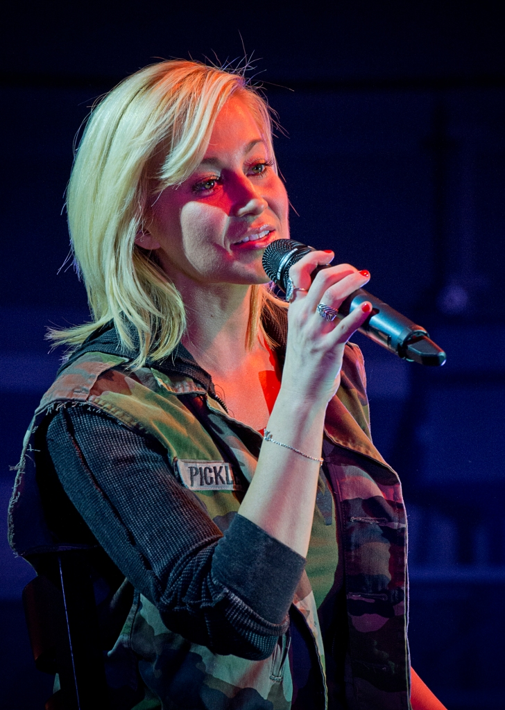 Country music star Kellie Pickler performs a USO show for troops stationed in Italy as part of the 2014 USO Holiday Tour. USO Photo by Dave Gatley